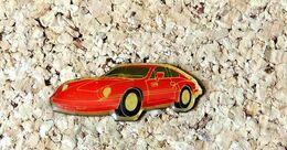 Pin's PORSCHE Peinte En Rouge FERRARI - Verni époxy - Fabricant Inconnu - Porsche
