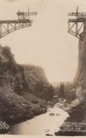 Central Oregon, Oregon Trunk Line Railroad Bridge Crossing Crooked River Under Construction C1910s Vintage Postcard - Otros