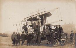 S35-029 Carte Photo - Groupe Autour D'un Avion Caudron G.3 Posé Sur Le Plateau D'un Camion - Correspondance à L'Aigle - 1914-1918: 1st War