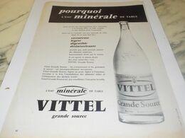 ANCIENNE PUBLICITE IRREMPLACABLE SAVEUR EAU VITTEL  1959 - Afiches