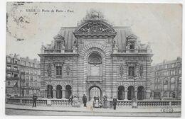 (RECTO / VERSO) LILLE EN 1907 - N° 7 - LA PORTE DE PARIS AVEC PERSONNAGES - BEAU CACHET - PLI DIAGONAL A DROITE - Lille