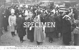 Funérailles De Léopold II Rois Des Belges - Les Personnages Des Missions étrangères Saluent Le Corps - Personaggi Famosi