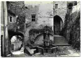 Le Crestet - La Fontaine Et Le Porche De L'Eglise - Ohne Zuordnung