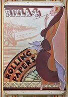 Ancienne Grosse Boite En Tole ROLLING PAPERS RIZZLA + Art Deco Femme Levriers Avion Illustrateur - Sigarettenkokers (leeg)