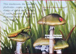 Grenada  Carriacau & Petite Martinique  2002  Mushrooms  S/S . MNH - Pilze