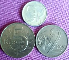 3 X CZECHOSLOVAKIA :50 HALERU 1993 + 2 KORUNY 19875 + 5 KORUN 1974 - Repubblica Ceca