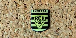 Pin's RUGBY RCE ENNEZAT (63) - Verni époxy - Fabricant ARKOS - Rugby