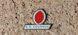 Pin's RUGBY ER COURNON (63) - Peint Cloisonné - Fabricant Inconnu - Rugby
