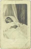 Carte Photo. Post Mortem. Enfant Mort. - Anonyme Personen