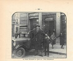 Le Geant Savoyard En Visite Au Petit Dauphinois. Stampa 1932 - Etains