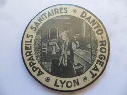"""(Publicité Ancienne - Rhône) - Miroir De Poche Publicitaire """" Appareils Sanitaires DANTO-ROGEAT  à LYON"""" - Other"""