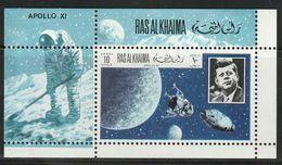 RAS AL KHAIMA - BLOC N°90 **  (1969) ESPACE : Apollo 11 - Asia