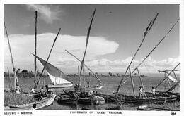KISUMU - KENYA - FISHERMAN ON LAKE VICTORIA ~ AN OLD REAL PHOTO POSTCARD #23987 - Kenia