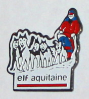 Pin's TRAINEAU ELF AQUITAINE - Carburants