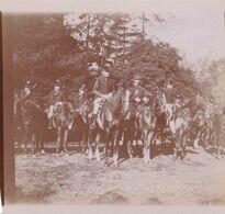 Photo Originale 1900  Château De Bouillon Baulers ? Chasse à Courre ? Militaire ? Uniforme ? Officiers ? Régiment ? - Orte