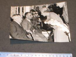 LA REINE ELISABETH DE BELGIQUE A UCCLE INAUGURE L'INSTITUT NATIONAL DES INVALIDEi  - AGENCE BELGA 5/7/52 - Célébrités