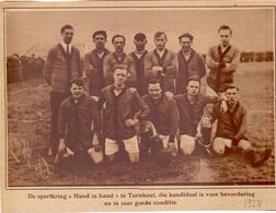 Orig. Knipsel Coupure Tijdschrift Magazine - Voetbal , Ploeg, Sportkring Hand In Hand Uit Turnhout - 1928 - Non Classés