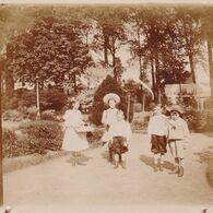 Photo Originale 1900  Bois Seigneur Isaac ?? Château De  Bouillon Baulers ? Enfants - Orte
