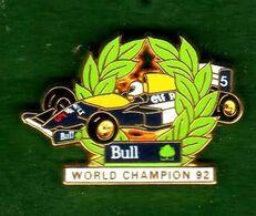 Pin's Renault Bull World Champion 92 Zamac Arthus Bertrand - Arthus Bertrand