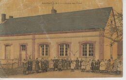 CPA Toilée Boursay - L'école Des Filles (très Belle Animation) - Texte Intéressant Au Verso - France