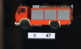 S047, 1:87, Feuerwehr Mercedes - Road Vehicles
