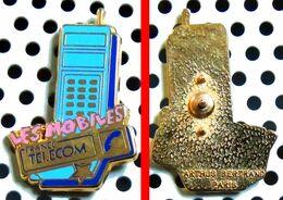 Ancien Pin's Les Mobiles De FRANCE TELECOM - émaillé à Froid époxy - Fabricant ARTHUS BERTRAND - France Télécom