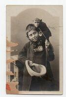 SINGE Habillé * Carte Photo * ENFANT * MENDICITE * - Dressed Animals