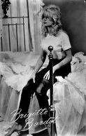 030 483 - CP - Thèmes - Spectacle - Artistes - Brigitte Bardot - Artiesten