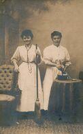 Carte-Photo : Métier - Femme De Ménage Et Cuisinière Par Photographie Du Boudiou à Mouret (Ca 1910) (BP) - Beroepen