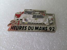 PIN'S   24 HEURES DU MANS 92   PEUGEOT 905  TOYOTA TS 010  Zamak  Locomobile - Peugeot