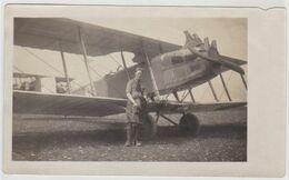 Aviation  Petite Photo Originale Avion Biplan  Numero 6 Et Son Pilote   Caudron ? Voisin ?? à Identifier - Luchtvaart