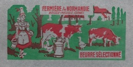 Etiquette Fromage Feuillepapier Emballage Beurre 250g Fermiere De Normandie Boissy Maugis Orne 61 Femme, Vaches, Canards - Formaggio