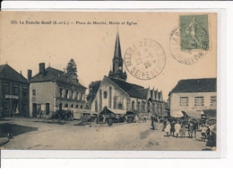 LA BAZOCHE-GOUET : Place Du Marché, Mairie Et Eglise - Très Bon état - Autres Communes