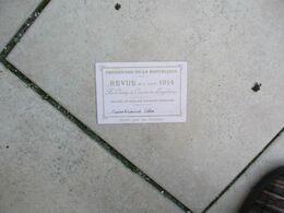 PRESIDENCE DE LA REPUBLIQUE REVUE DU 14 JUILLET 1914 AU CHAMP DE COURSES DE LONGCHAMPS CARTE D'ENTREE GENERAL LEBON - Historische Dokumente