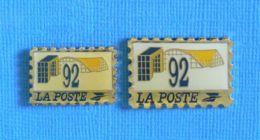 2 PIN'S // ** 92 LA POSTE ** - Post