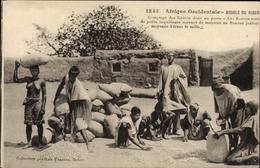 CPA Niger, Afrique Occidentale, Comptage Des Kawris Dans Un Poste - Cameroun