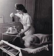 Photo Originale Pierre Jahan  Femme Soins Corporels Institut Kinésithérapie Massage Nu Feminin Nude ( Phot 118) - Other