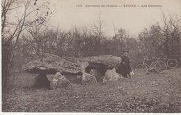 Environs De Mantes . EPONE . Les Dolmens . - Dolmen & Menhirs