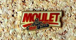 Pin's KART MOULET Karting - Verni époxy - Fabricant Inconnu - Rallye