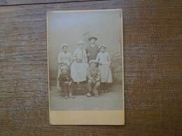"""Ancienne Photographie Artistique """" E. Van Blitz De Berck Sur Mer """" Scène De Bord De Mer En Studio Famille """" 16,5 X 11 Cm - Personas Anónimos"""