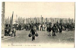 CPA 29 DOUARNENEZ Le Quai Du Port ( Bateaux - Pêcheurs ) - Douarnenez