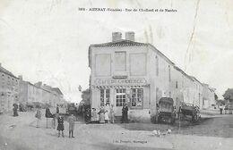 85)    AIZENAY  -  Rue De Challant Et De Nantes   (  Café Du Commerce  ) - Aizenay