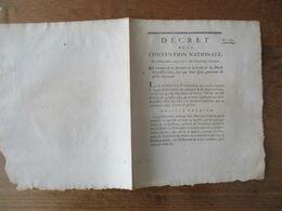 DECRET DE LA CONVENTION NATIONALE DU 16 NOVEMBRE 1792 QUI EXEMPTE DE LA FORMALITE DE LA CORDE & DU PLOMB LES POISSONS SA - Gesetze & Erlasse