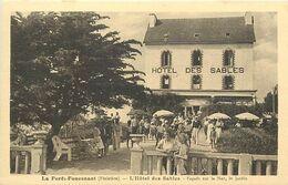 Finistère - Ref E752- La Forêt Fouesnant - L Hotel Des Sables - Façade Sur La Mer - Le Jardin - Hotels - - La Forêt-Fouesnant