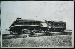 TRAIN - Locomotive Anglaise (L.N.E.R.) Machine Aérodynamique Golden Eagle    (Cpa Collection  F. Fleury  N°) - Trains