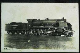 "TRAIN - Locomotive Anglaise ( Southern Railway)  ""King Arthur"" Locomotive Type 230  (Cpa Collection  F. Fleury  N°) - Trains"