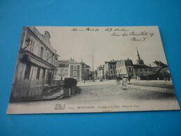 Carte Postale Loiret Montargis Entrée De La Ville Place Du Patis Animée - Montargis