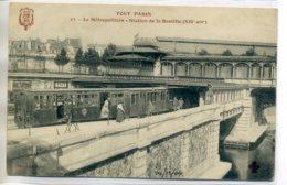 75 TOUT  PARIS 13-   METROPOLITAIN  Station De La Bastille Voyageurs Quai    /D17 -2017 - Pariser Métro, Bahnhöfe