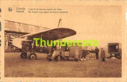 CPA OOSTENDE OSTENDE L'ARRIVEE DE JOURNAUX ANGLAIS PAR AVION AVIATION AEROPORT LUCHTHAVEN - Oostende