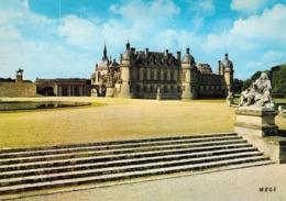 60 - Chantilly - Le Chateau Et Les Degrés - Chantilly